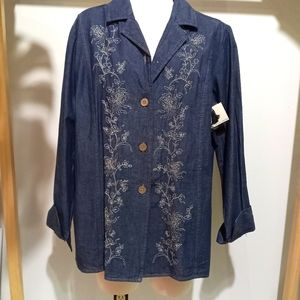 Jaclyn Smith Button Up Shirt